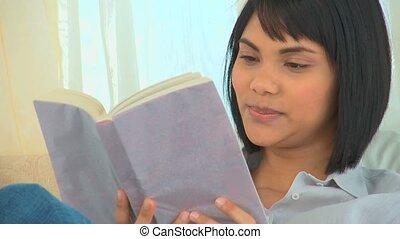 femme, livre, asiatique, lecture