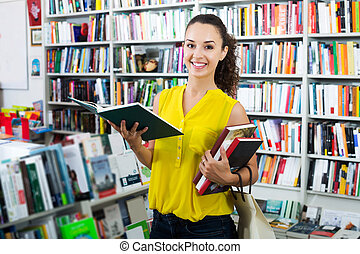 femme, livre, regarder