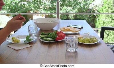 femme, lumière, déjeuner, dehors, homme, avoir, balcon