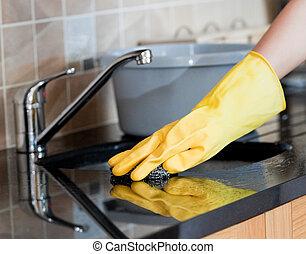 femme ménage, cuisine, gros plan