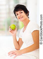 femme, mûrir, vert, tenue, frais, pomme