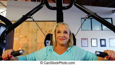 femme, machine, poitrine, 4k, presse, personne agee, exercice