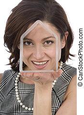 femme, maison, main, 40s, portrait, transparent