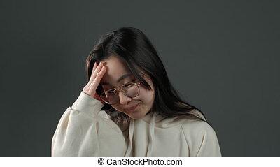 femme, malheureux, non, drame, facepalm, gris, mur, cheveux, long, geste, coréen, isolé, regret, asiatique, sentiment, forgot!, aimer, elle, jeune, portrait, chagrin, failure.i