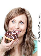 femme mange, affamé, gâteau