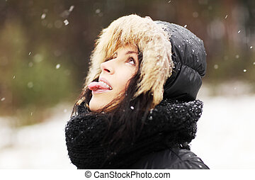 femme mange, flocons neige