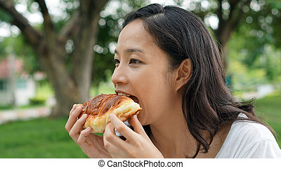 femme mange, hydrates carbone, adulte, mûrir, pain, ...