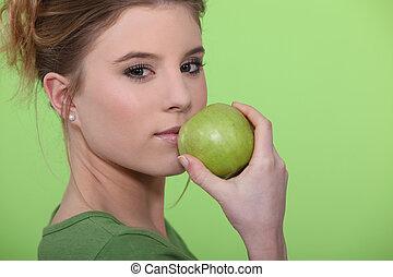 femme mange, une, pomme