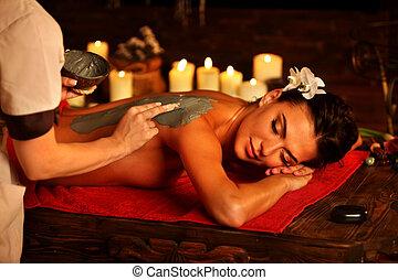femme, masque, dos, boue, argile, spa, salon., masage