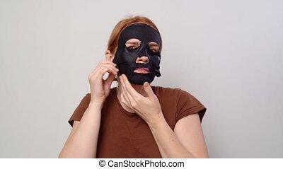 femme, masque, met, cosmétique, face., elle, noir