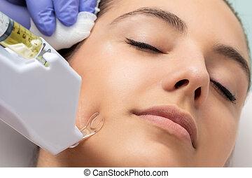 femme, mesotherapy, jeune, déménagement, utilisé, cicatrice
