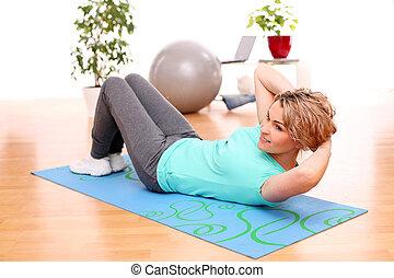 femme, mince, mi, fitness, exercices, maison, vieilli