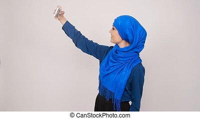 femme, mobilephone, photo, selfie, musulman, jeune, poser, prendre