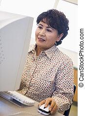 femme, moniteur, (high, regarder, key), informatique, sourire