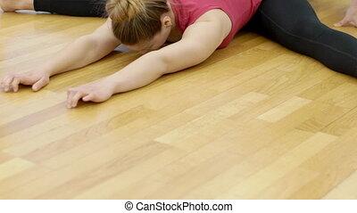 femme, motion., yoga, grand angle, moderne, jeune, assis, ...