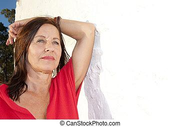 femme, mur, extérieur, sexy, portrait, personne agee