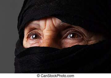 femme, musulman, yeux, personne agee