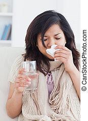 femme, nez, malade, souffler, elle