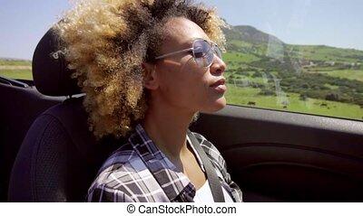femme, noir, jeune, conduite