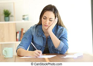 femme, notes, inquiété, écriture lettre, ou