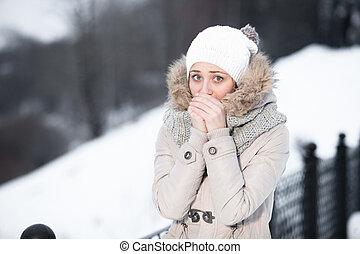 femme, outdoor., prise vue., ensoleillé, jeune, francais, extérieur, séduisant, weather., hiver, style.