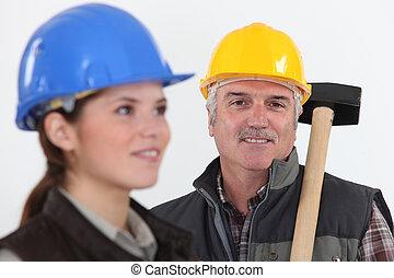 femme, ouvrier construction, jeune, assistant