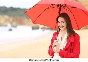 femme, parapluie, appareil photo, regarde, tenue, rouges, heureux