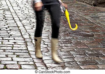 femme, parapluie, jaune