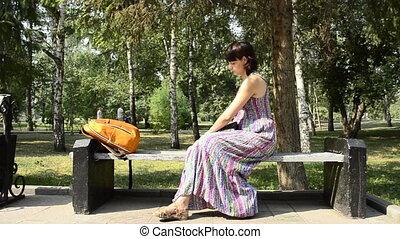 femme, parc, jeune, pregnant