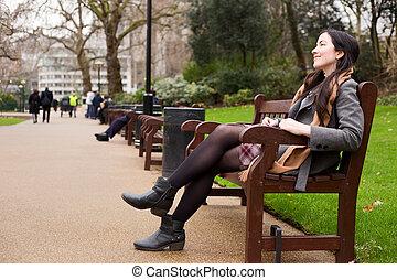 femme, parc, jeune, séance