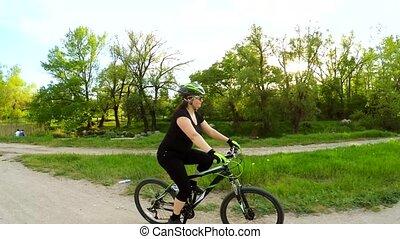 femme, parc, jeune, vélo, vert, équitation