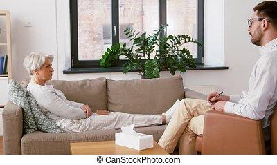 femme, patient, conversation, psychologue, homme aîné