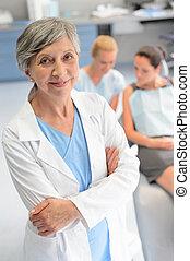 femme, patient, dentaire, dentiste, professionnel, chirurgie