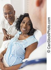 femme, patient, lit hôpital, américain, africaine, personne agee