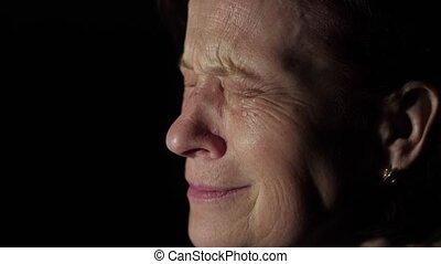 femme, personnes agées, pleurer