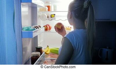 femme, pomme, jeune, mange, mouvement, lent, nuit vidéo, ...