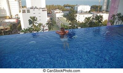 femme, pool., sommet, toit, luxe, natation