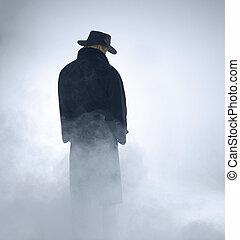 femme, porter, trench-coat, et, debout, dans, brouillard