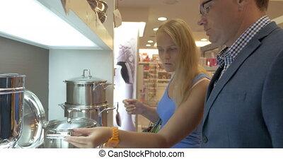 femme, pot, cuisine, métal, magasin, achat, homme