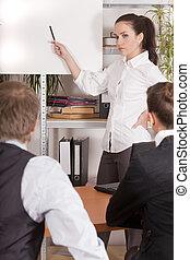 femme, pourparlers, à, audience, dans, bureau