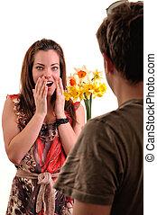 femme, réception, bouquet, sien, fleurs, surpris, petit ami