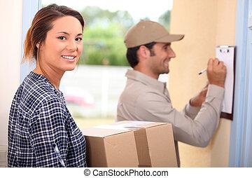 femme, réception, paquet