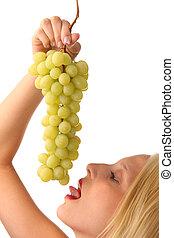 femme, raisins
