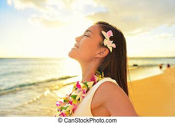 femme relâche, hawaï, vacances, plage, heureux