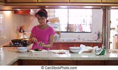 femme, repas, préparer, cuisine
