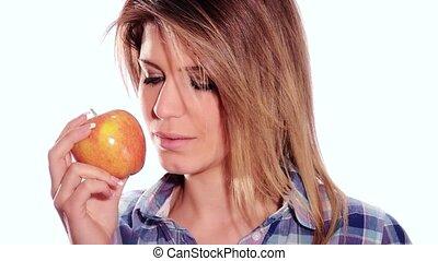 femme saine, pomme mangeant, jeune