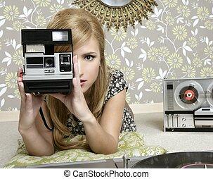 femme, salle, appareil-photo photo, retro, vendange