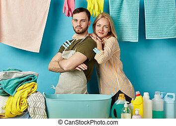 femme, salle lessive, elle, dépenser, aide, séduisant, temps