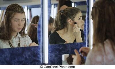 femme, school., haut, reflété, confection, fin, modèle, vue
