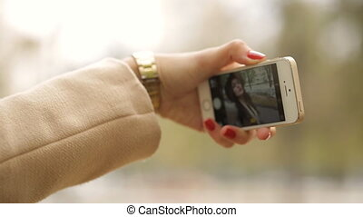 femme, selfie, téléphone, prendre, utilisation, intelligent